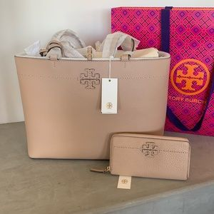 Tory Burch Bags - ⭐️HOST PICK⭐️ NWT Tory Burch McGraw Tote ➕ Wallet